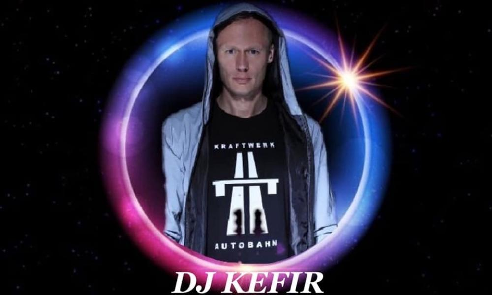 DJ KEFIR in EIGHT